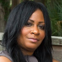 Notary Public in Orlando, Florida 32835, Dionne Holloway